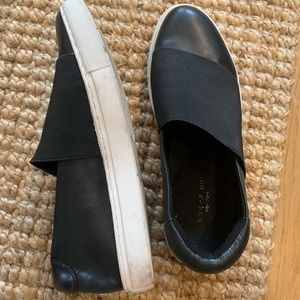 Kenneth Cole Black Leather Slip On Sneaker